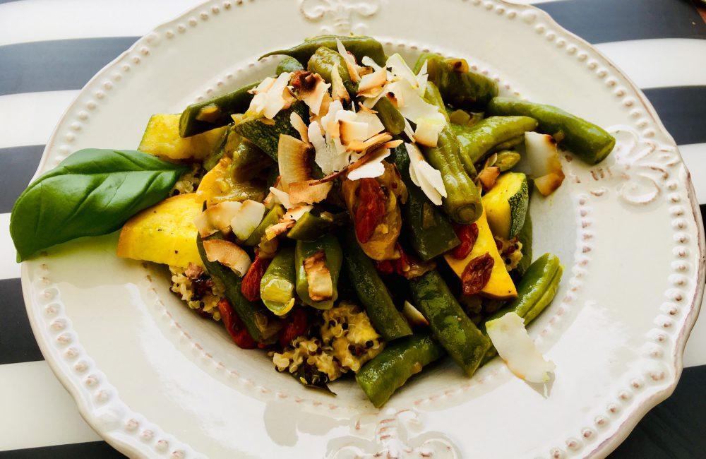 Bohnengemüsepfanne auf Quinoa mit Linsen