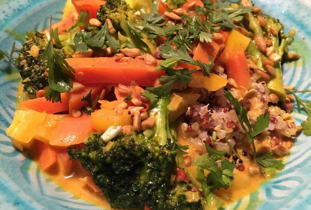 Quinoa mit Vanille-Möhrchen im Kokossud