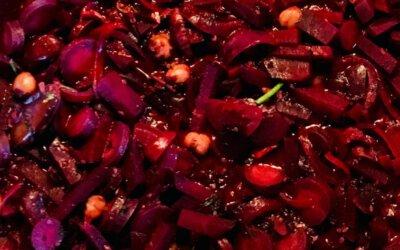Gewürzte Rote Bete mit Haselnuss im Traubensud
